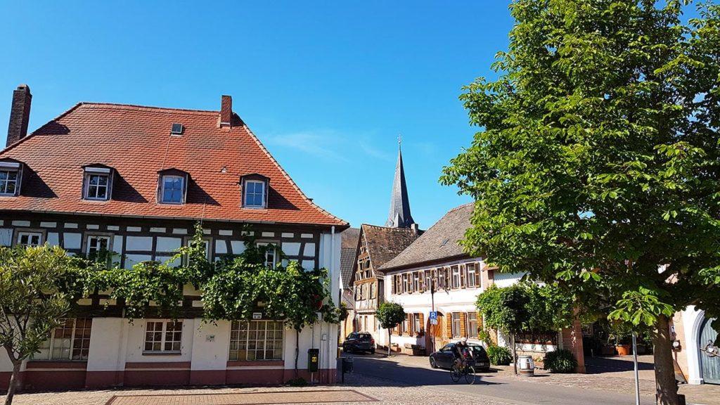 Fachwerkhäuser in Rhodt unter Rietburg