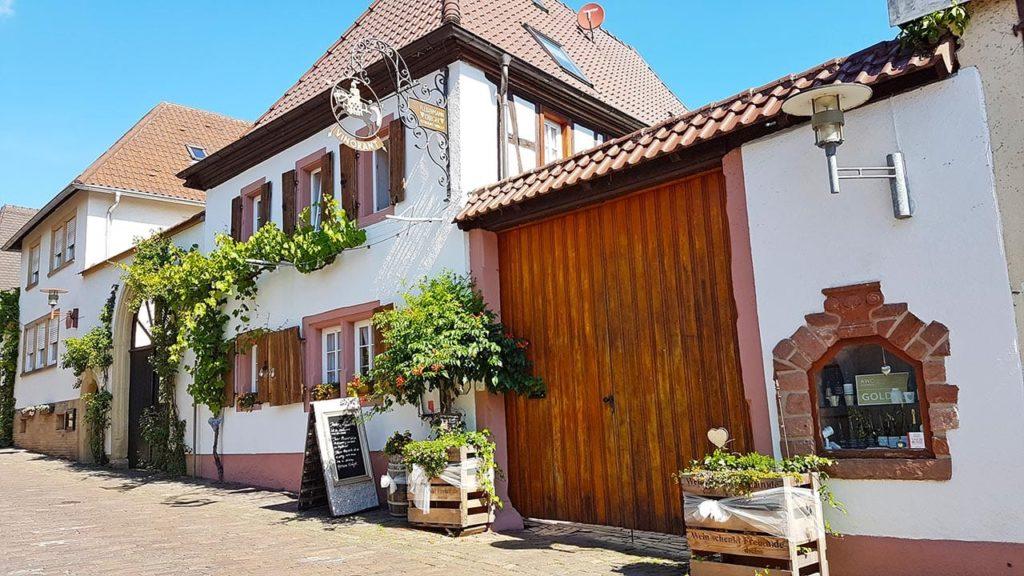 Typische Gastronomie in Rhodt unter Rietburg
