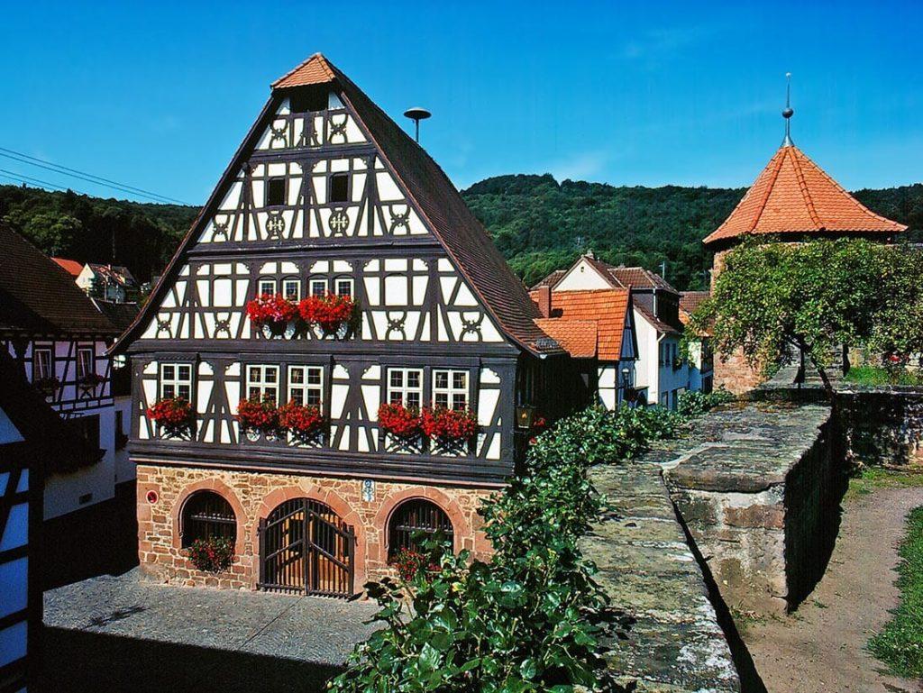 Das Rathaus in Dörrenbach