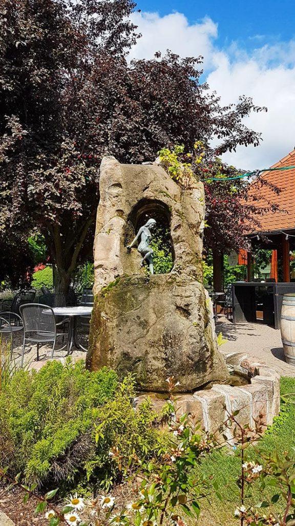 Skulptur in Hainfeld in der Pfalz