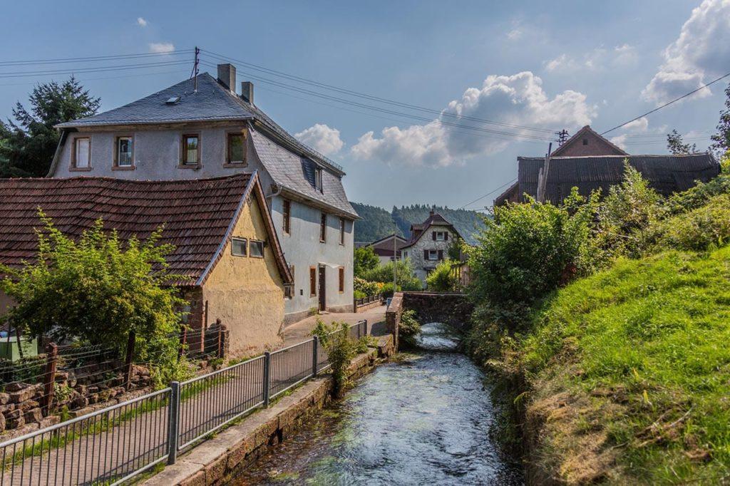 Der Speyerbach in Elmstein in der Pfalz - Foto: Palatina Tourer